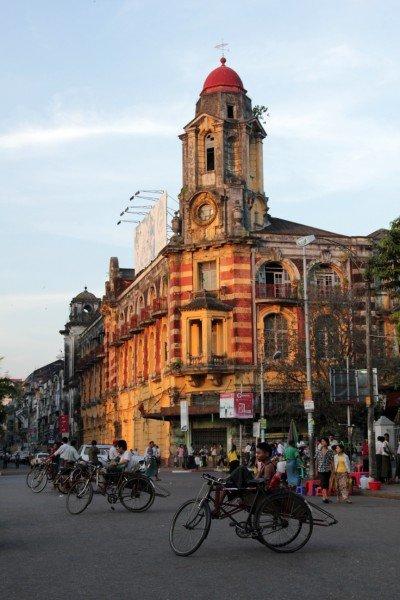 7. Rangoon et la Paya Shwedagon, Birmanie. dans 07. Rangoon et la Paya Shwedagon, Birmanie. IMG_4532-800x600